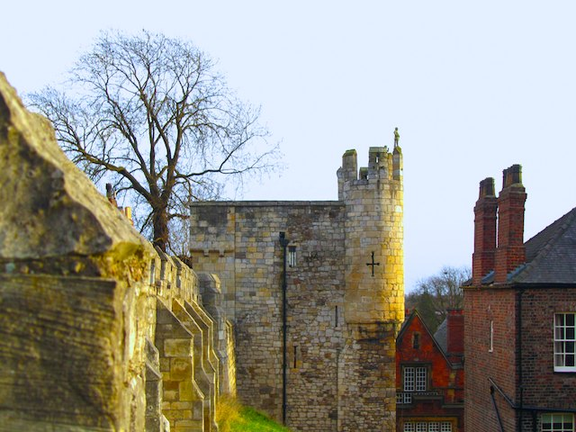 A locals guide: How to spend a day walking York city walls